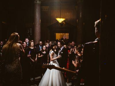 De beste liedjes en live-muziek voor op je bruiloft: wat is er allemaal mogelijk?