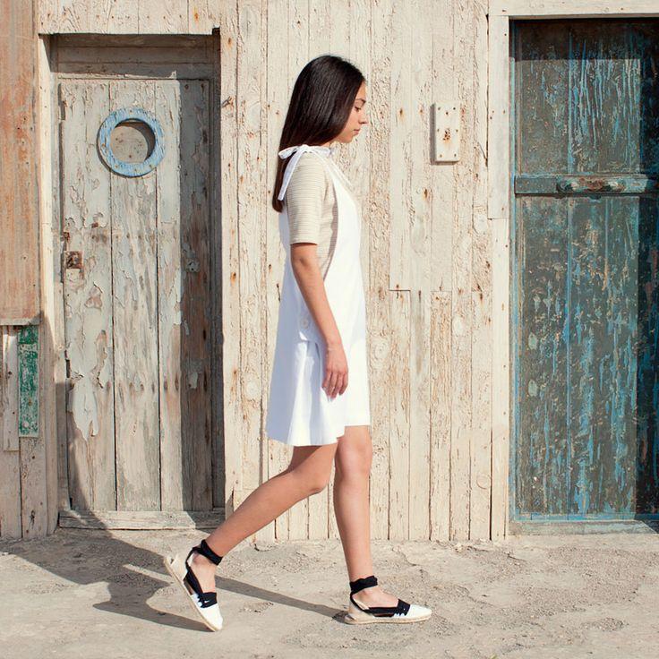 Fashion editorial SS16 ILBL&Co   Peto en algodón y camiseta algodón orgánico Alpargatas