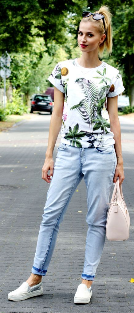 Tropical Print Tee Everyday Casual Fall Outfit Idea by Beauty - Fashion - Shopping