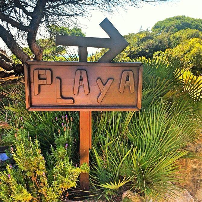 Panneau indiquant la plage à Sancti Petri, Cadix - Costa de la Luz (Espagne)