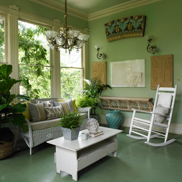 Colorful Rooms Moss: Dunn-Edwards Paints Paint Colors: Walls: Soft Moss DE5610