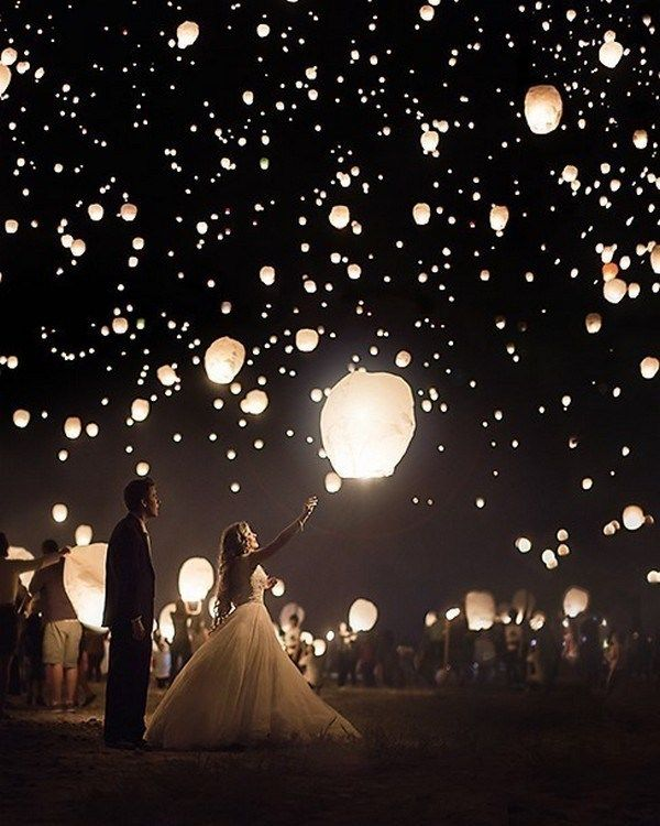 15 Romantic Marriage ceremony Picture Concepts with Sparklers