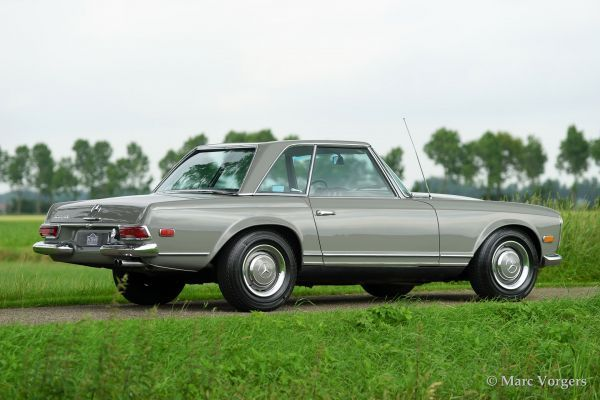 Mercedes Benz 250 Sl Pagode 1967 Welcome To Classicargarage In 2020 Mercedes Mercedes Benz Mercedes 230