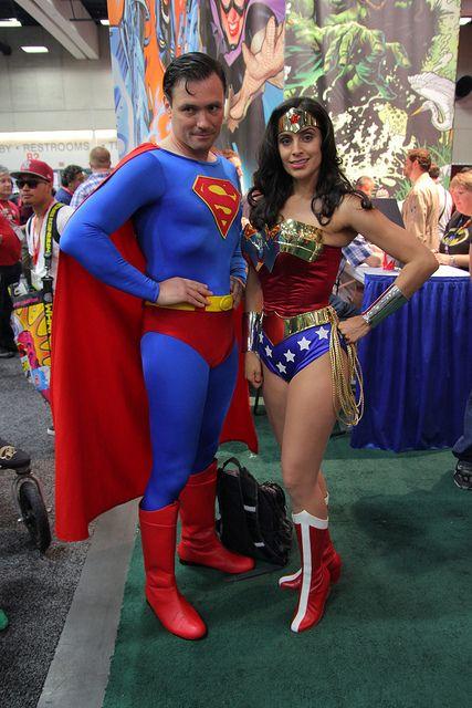 Superman/Wonder Woman Cosplay
