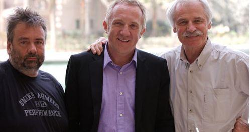 В 2009 году в Свет вышел документальный фильм «ДОМ», одним из режиссеров которого был Ян Артюс-Бертран. Вторым режиссером был не менее мною любимый Люк Бессон, снявший такие шедевры, как «Леон» и «Пятый Элемент».