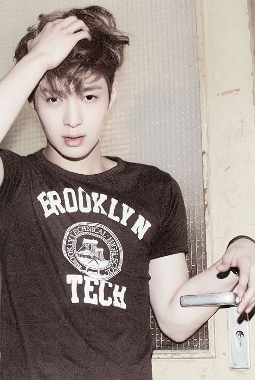 EXO Lay and his stressed, yet hot expresion in 'DIE JUNGS' photobook ♥ #yixing