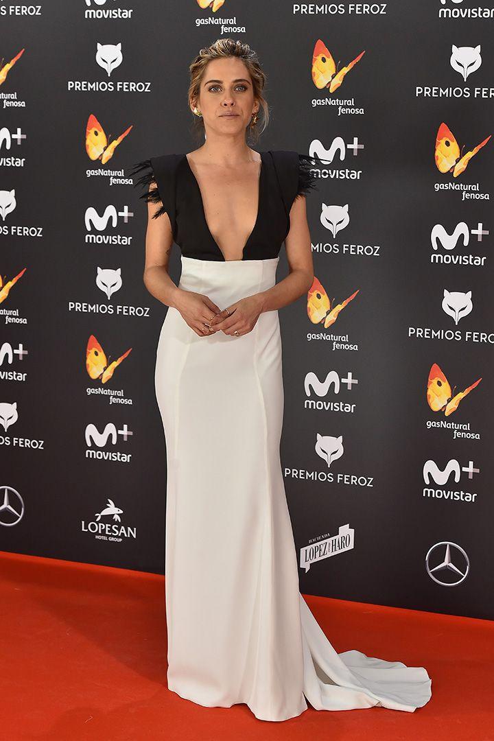 Premios Feroz 2017: todos los looks de alfombra roja  http://stylelovely.com/galeria/todos-los-looks-los-premios-feroz-2017/