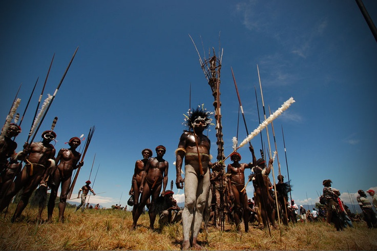 Re-enacting the thrill of the massive tribal war, the Baliem Valley festival takes audiences into jaw-dropping actions unlikely found in other parts of the world.