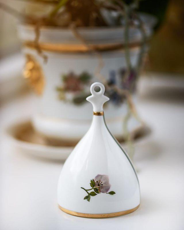- Bell in Bone China -#jfd2016 #bell #bonechina #porcelain #jettefrölich #jettefroelich #jettefrölichdesign #jettefroelichdesign #design #danishdesign #scandinaviandesign #interiordesign #homedecor