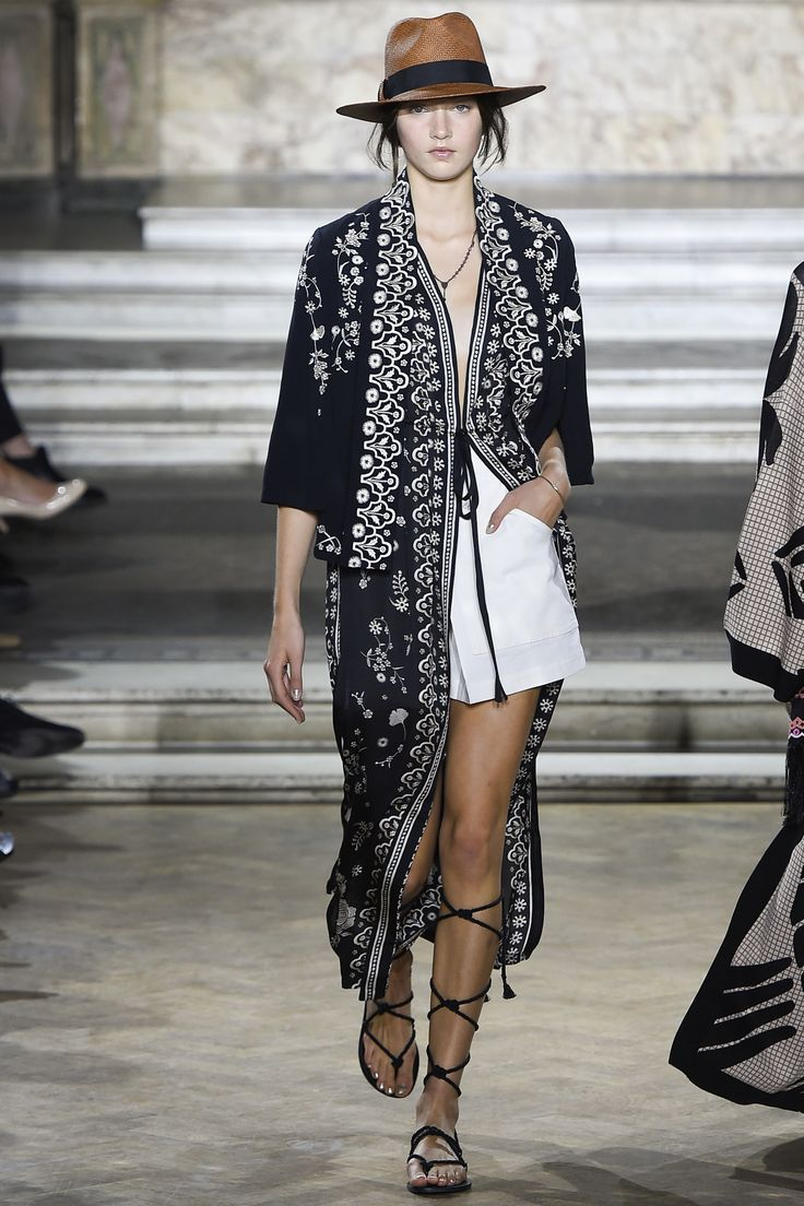 Temperley London Spring 2016 Ready-to-Wear Collection Photos - Vogue#1#2