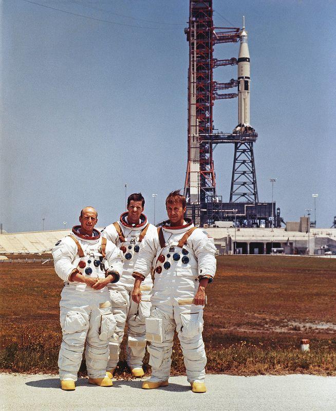 astronauts apollo 1 - 654×800
