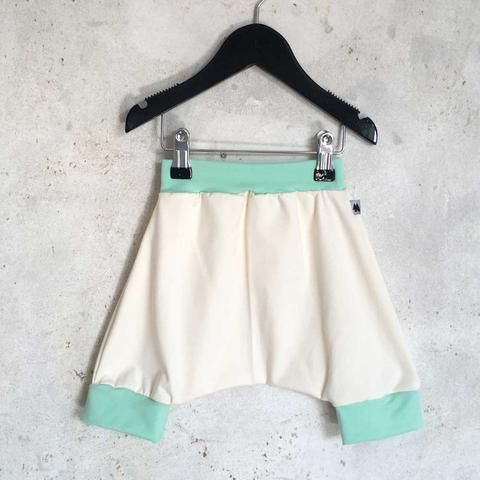 Shorts - Mint/Cream