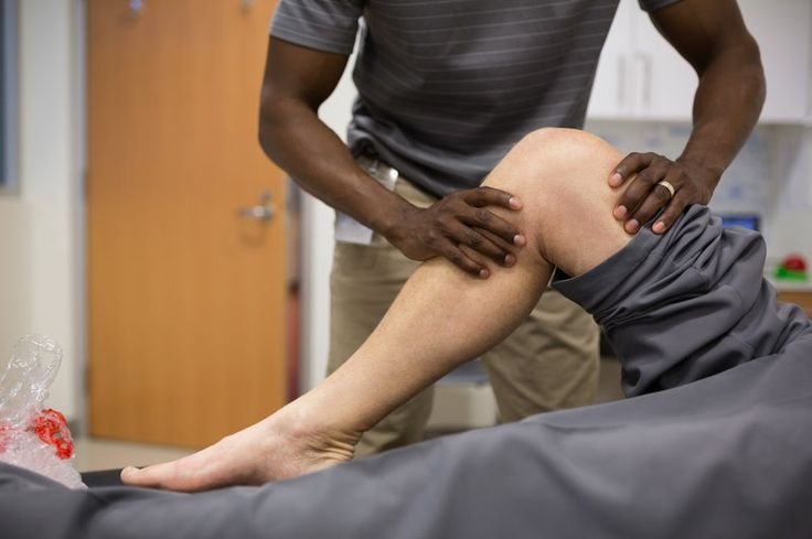 Physical therapy as well as cognitive therapy are part of a promising approach to manage chronic pain without drugs.