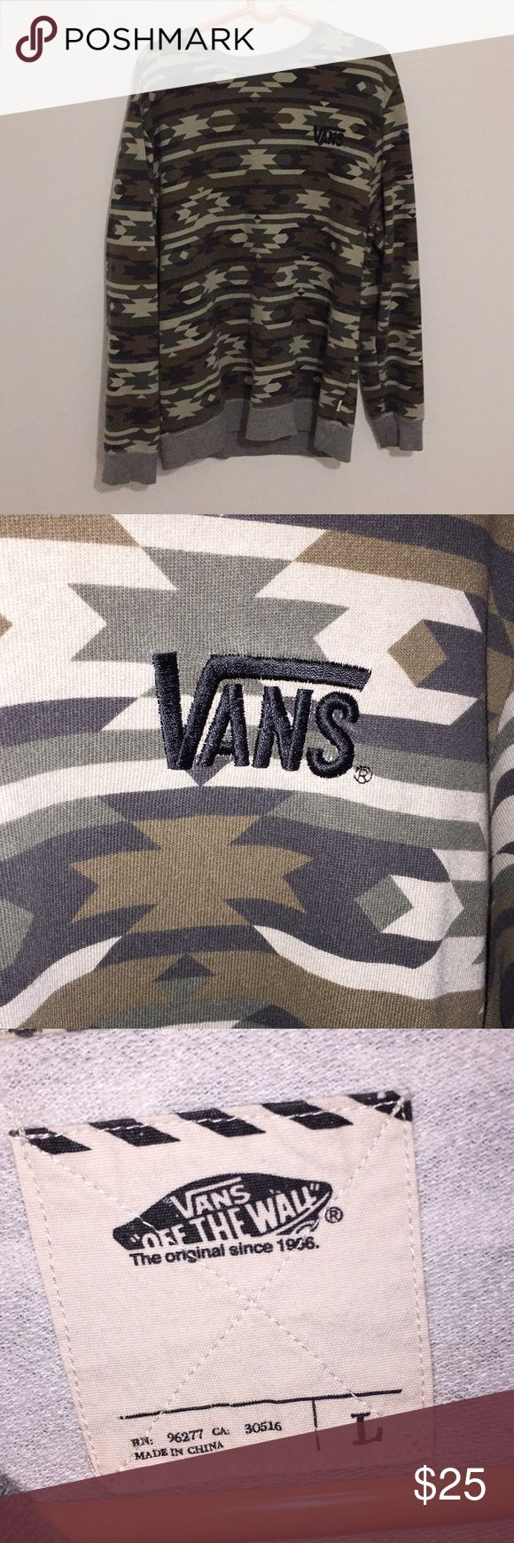 Vans camo sweatshirt Comfortable vans sweatshirt. Excellent condition Vans Sweaters Zip Up