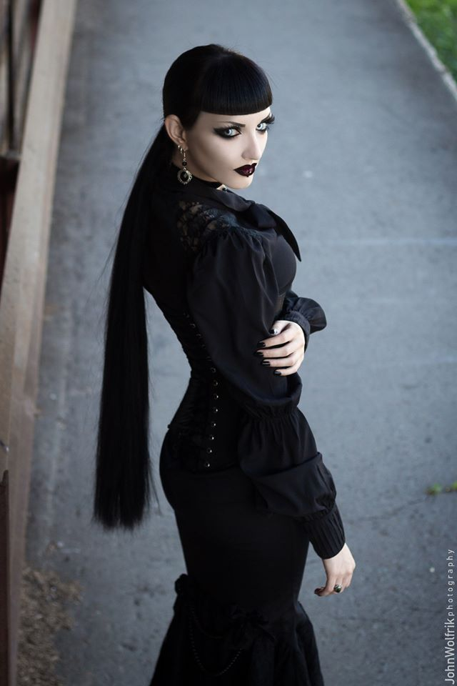 Model, MUA: Obsidian Kerttu Choker and earrings: The Black Cat Jewellery Store Blouse: Spin Doctor Clothing  Lenses: PinkyParadise - Largest Circle Lens Store Photo: John Wolfrik