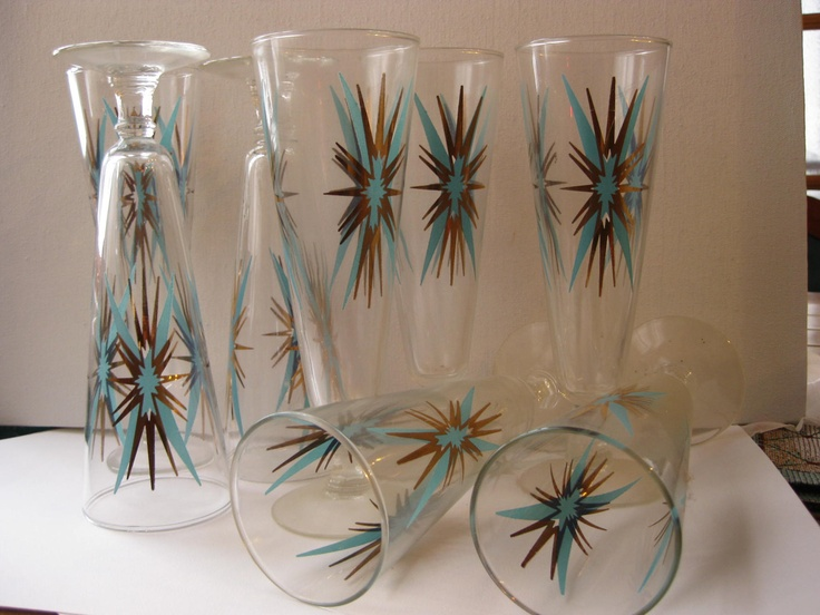 8 Vintage pilsner beer glasses turquoise aqua and gold excellent condition. I have one of these in short glass style and its pretty!
