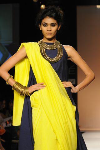 Navy cotton silk high-low kurta choli worn with a kiwi lime silk mul saree. SHOP THE LOOK: http://www.payalsinghal.com/off-the-runway/sitara-mul-saree