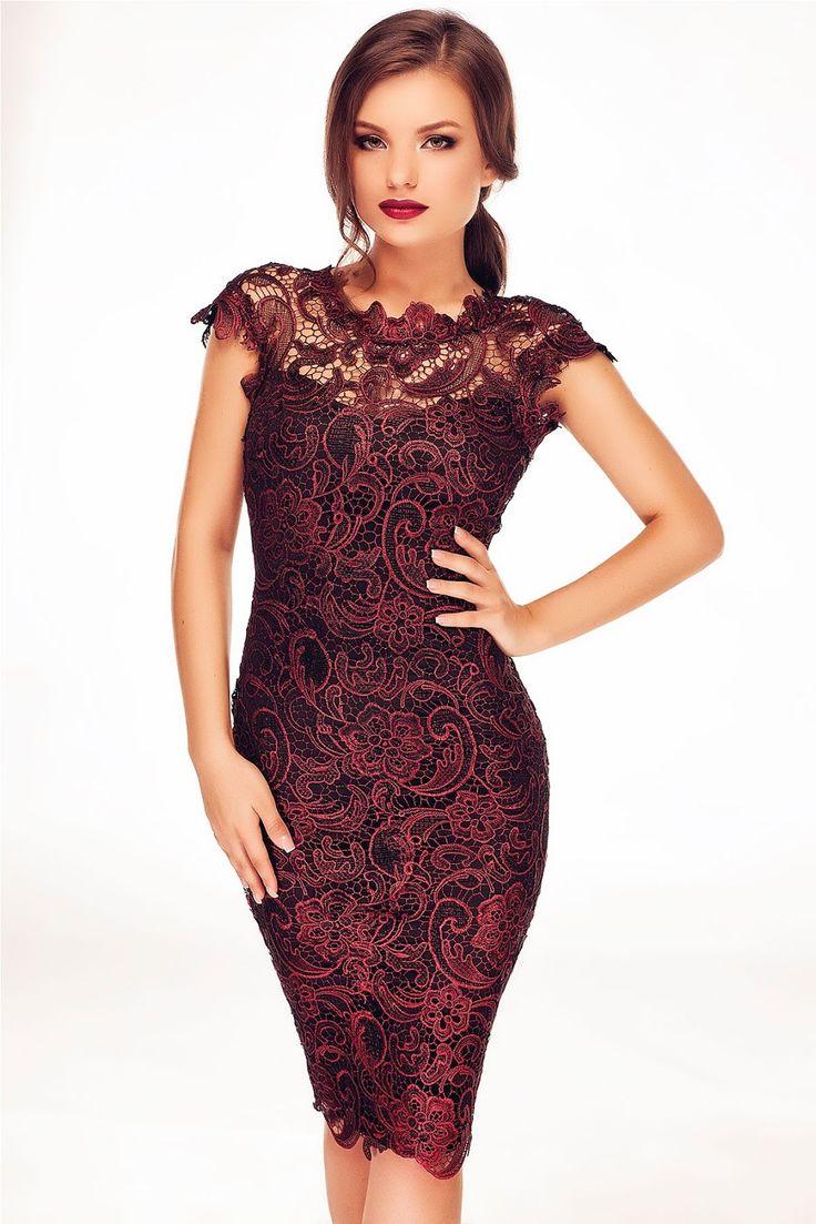 Fii eleganta si provocatoare indiferent de eveniment, cu o superba rochie de ocazie midi confectionata din dantela in tonuri vibrante de ...