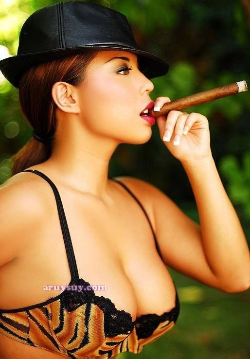 Pin On Cigar Ladies-3031