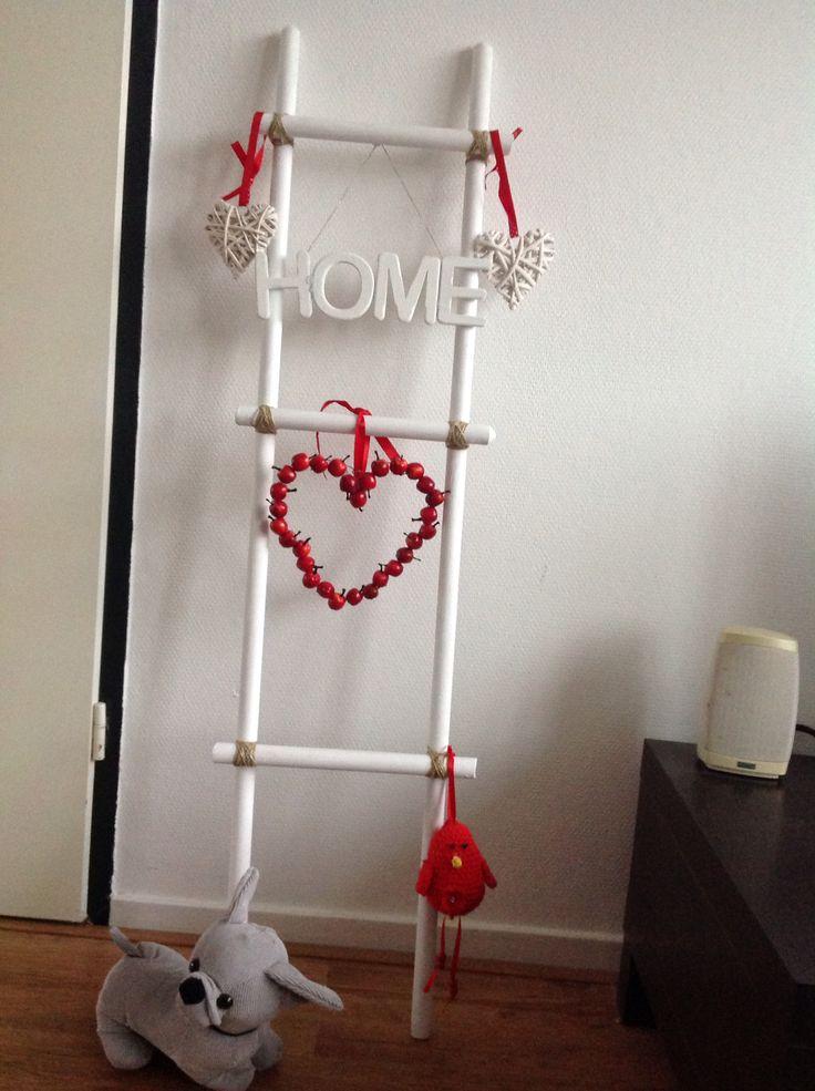 Decotrap gemaakt van bezemsteel van action geverft met for Decoratie ladder action