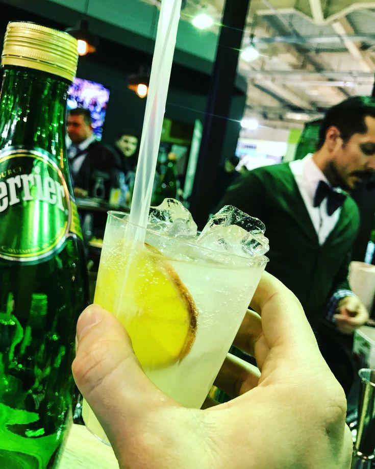 Νέα cocktail τάση: <b>bubbles του Perrier</b> (αντί για σαμπάνια...)