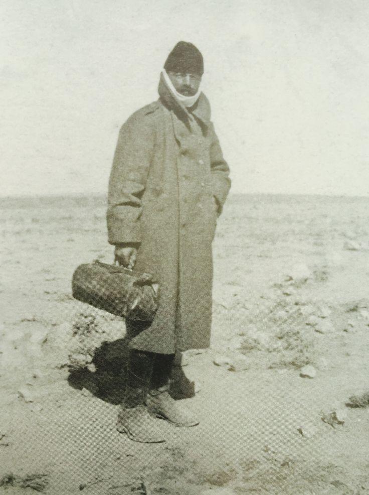 1911'de Libya'ya giderken Enver Paşa
