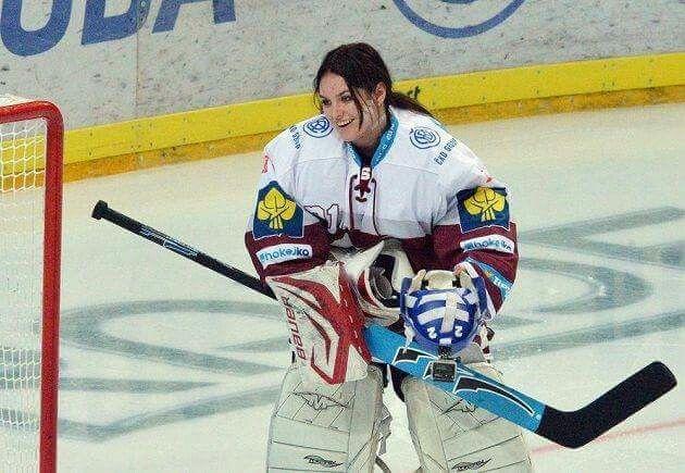 Ewa Farna Praha Hockey