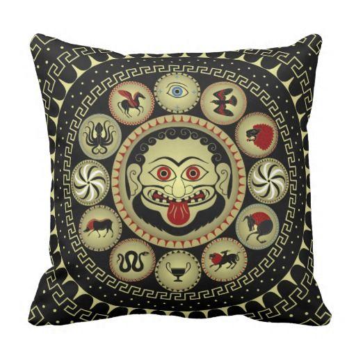 Medusa head square pillow