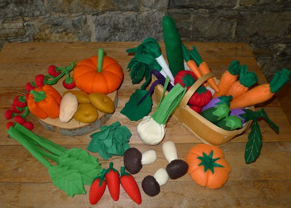 legumes en feutrine, tomate en feutrine ,betterave rouge en feutrine céleri branche en feutrine tomate cerises en feutrine, concombre en feu...
