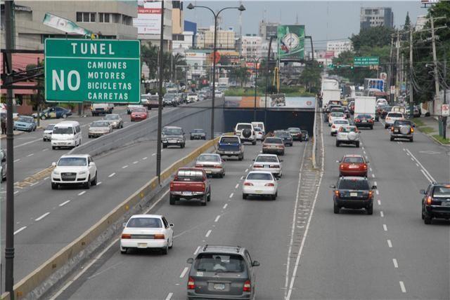 Santo Domingo.- La Dirección General de Impuestos Internos (DGII) reveló las estadísticas generadas al cierre de la campaña de renovación del Impuesto de Circulación de Vehículos de Motor, Marbete 2016, alcanzando este año el mayor registro de ventas en su histórico con un total de 978,176 marbetes renovados para una recaudación de RD$1, 287, 997,200.00.…