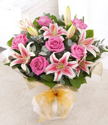 red lilies wedding flowers - Google Search