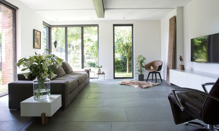 Modern wonen met een country touch | Himalaya grey natuursteen vloertegel | Nibo Stone | www.nibostone.nl