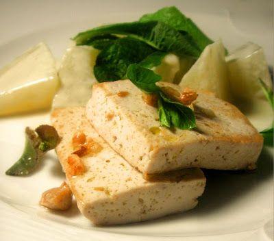 Herkkusuun lautasella-Ruokablogi: Tofua ja haudutettua kyssäkaalia