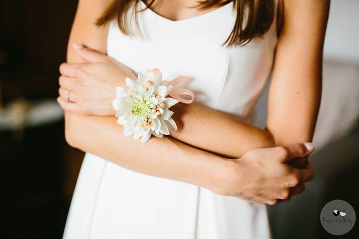 INNA Studio_  bracelet / bransoletka z dalii / biała / fot. Bajkowe Śluby
