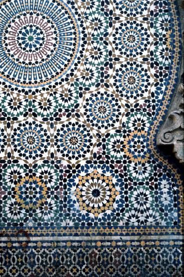Moroccan tile-print pattern- perfect on a shirt or a-line skirt to add dimension to a look: