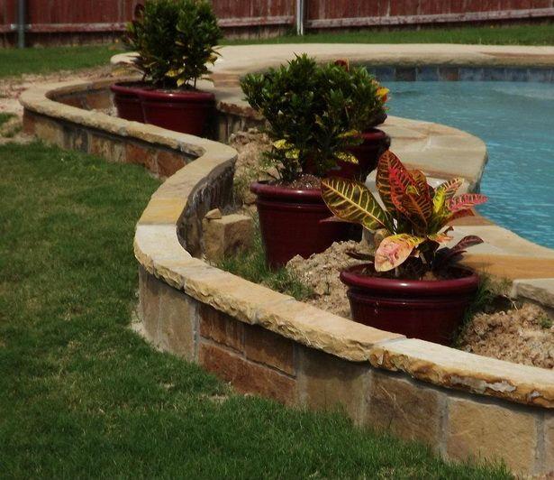 Best 20 flower bed edging ideas on pinterest garden for Flower bed border stone