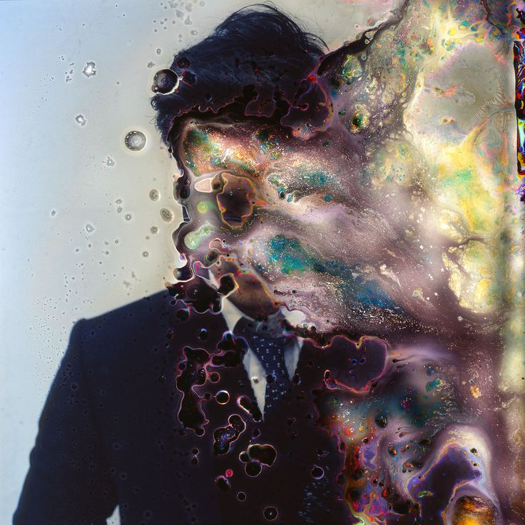 A Seoul photographer, born and bred,Seung-Hwan Oh spent time in New York at Hunter College before returning to South Korea. His imagery is quite startling, coming across as traditional portraiture crossed with a biologicalscience project. Colours ooze and spread across his canvas in abstract shapes to create this beautiful final finish. All images © Seung-Hwan.... http://illusion.scene360.com/art/68756/chemical-portraits-by-seung-hwan-oh/