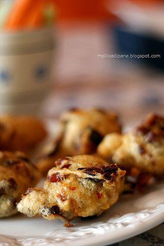 Mollica di Pane: Pettole o frittelle di peperoni cruschi?