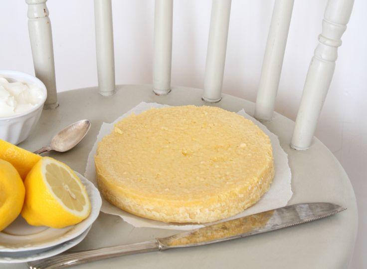 Oj, det ser ut som en ost… Ha ha! :-D Idag har jag i alla fall fotat en himmelskt god- och perfekt kladdig Citronkladdkaka. En kladdkaka som inte alls är sådär himla söt, utan mer syrlig och...