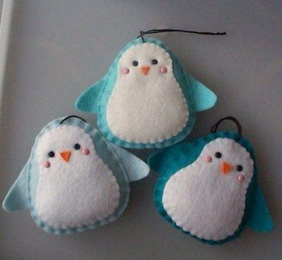 too cute .... Felt Penguin Ornament