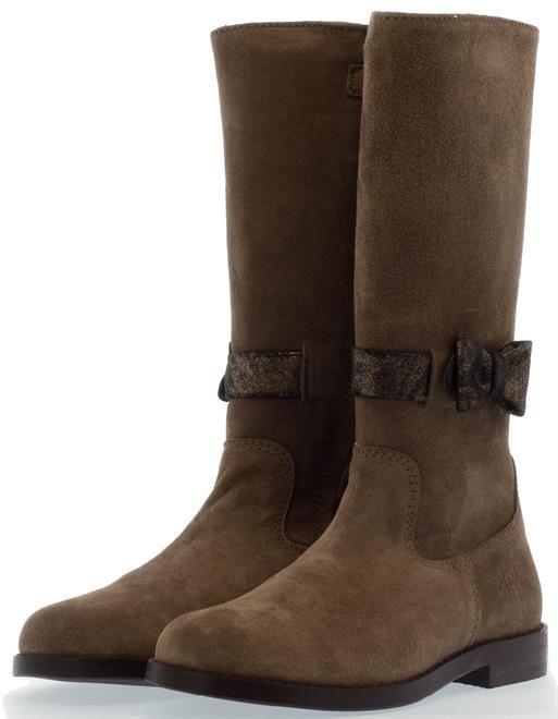 C L I C ! | Deze super mooie hoge laarzen met strikje zijn voor de modebewuste meisjes. Lekker warm voor in de winter. Goed nieuws: ze zijn in de sale!  #CLIC! #CLIC!Kinderschoenen #kinderlaarzen #meisjeslaarzen #laarzen #langelaarzen #strikje #SALE #winter
