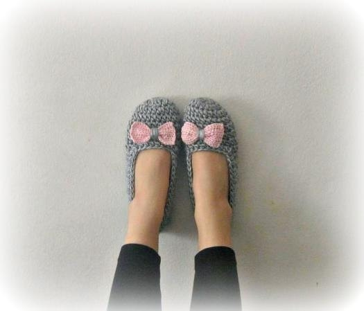 crochet slippers: Crochet Slippers, Slippers Crochet, Grey, Knits Crochet Quilts, Crochet Shoes Slippers Boots, Gray, Art Crochet, I Am, Sewing Crochet Knits