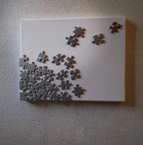 Créer un tableau avec un vieux puzzle ! Use an old puzzle to create a painting ! #DIY #Home #Decoration