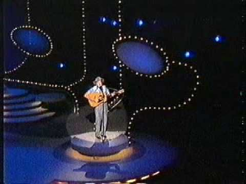 Slim Dusty - Leave Him Out There In The Long Yard
