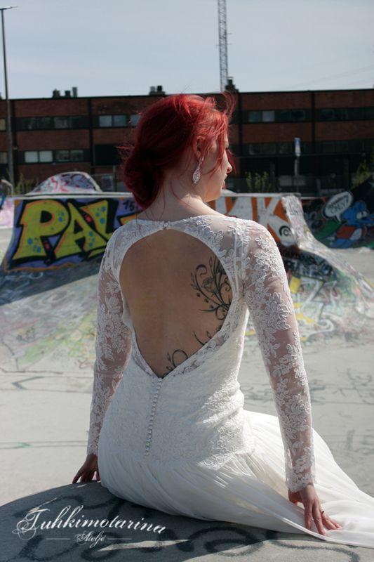 Dress: Erin, Photo: Emma Nikkanen, Model: Saana, MUAH: Emma Nikkanen