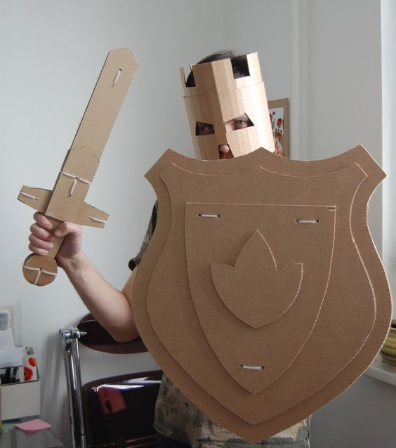 Creative cardboard crafts to do with your kids!