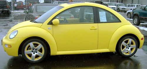 still a yellow VW .. this one is the new type