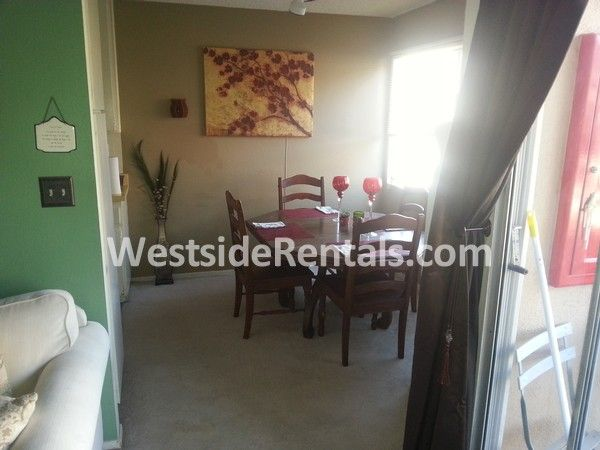 Townhouse for rent (seeking 1 Female roomate)