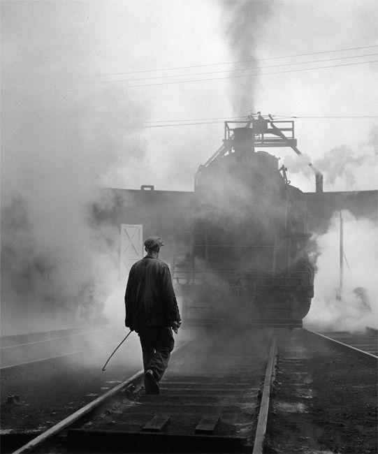 David Plowden Photos | Hostler and CNR Locomotive Number 8403 on Turntable, Hamilton ...
