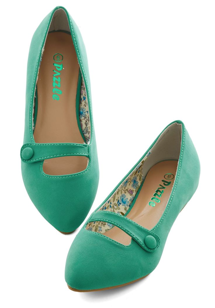 Morning Amour Flat in Green. The world around you is just beginning to wake - and youre already up and at em in your bright green flats. #green #modcloth